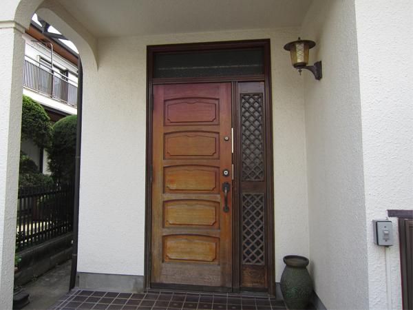 玄関ドアリフォーム(施工前)
