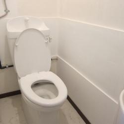 アパートのリフォーム(施工後)トイレ